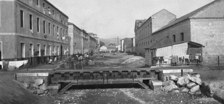 Málaga. El Bulto, puente del ferrocarril sobre arroyo El Cuarto hacia 1920.