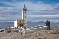 Eugenio Chicano en la playa de Las Salinas de Cabo de Gata. Almería.
